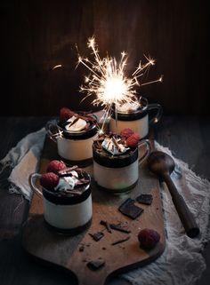 Bailey's Panna Cotta (http://call-me-cupcake.blogspot.co.uk/2012/12/baileys-panna-cotta-and-tiramisu-trifles.html)