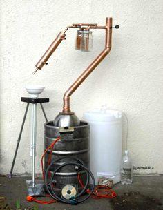 Homemade Moonshine Still Designs Distilling Equipment, Home Brewing Equipment, Homemade Still, Homemade Wine, Destilar Alcohol, Homemade Moonshine, Distilling Alcohol, Moonshine Still, Pot Still