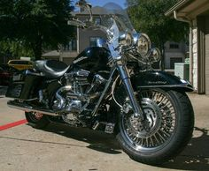 This Harley has all the chrome you can put on it, custom build motor 103, highway pegs, windshield power commander, custom pipes and a lot more Harley travel bag and backrest