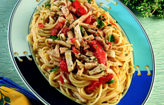 aprende cómo hacer Spaghetti con salsa de tomate y pez espada en este post http://exquisitaitalia.com/spaghetti-con-salsa-de-tomate-y-pez-espada/ #recetas #recetasitalianas