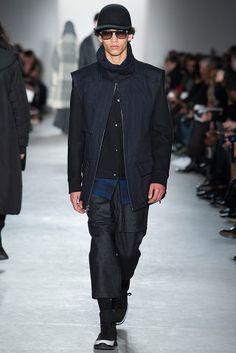Dao-Yi Chow and Maxwell Osborne presented their Fall/Winter 2015 menswear collection for Public School during New York Fashion Week. Gq, Fashion Show, Mens Fashion, Runway Fashion, Fashion 2015, Fashion Menswear, Fashion Spring, Style Fashion, Dior