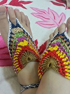 5 Free Crochet Barefoot Sandals Patterns for Women---- (pictured)Granny Barefoot Sandals