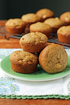 These easy Apple Cinnamon Muffins taste incredible, but with less sugar! Just 117 calories or 4 myWW SmartPoints each on Green, Blue or Purple! Applesauce Muffins, Apple Cinnamon Muffins, Cinnamon Apples, Ww Recipes, Apple Recipes, Baking Recipes, Healthy Recipes, Light Recipes, Healthy Baking