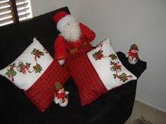 Resultado de imagen para cojines navideños Christmas Cushions, Christmas Stockings, Holiday Decor, Home Decor, Google, Crafts, Christmas Decor, Jute, Blinds