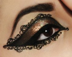 Eye makeup crafted Beautifully eye art. - Source: Bendrix got this from @Mia via. http://www.makeupgeek.com/idea-gallery/look/chocolate-lace-2/