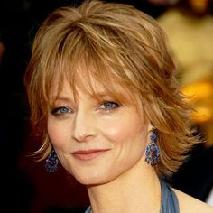 Jodie Foster's Changing Looks Jodie Foster – Transformation – Beauty – Celebrity Before and After – Farbige Haare Square Face Hairstyles, Short Shag Hairstyles, Celebrity Hairstyles, Cool Hairstyles, Jodie Foster, Short Hair With Layers, Short Hair Cuts, Medium Hair Styles, Short Hair Styles
