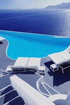 Katikies Hotel, Santorini, Greece  QUER GANHAR DINHEIRO COM INTERNET? http://www.bolosdatialuisa.com/eu