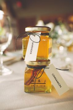 Wedding favor idea; Featured Photographer: The Nickersons