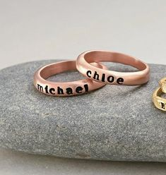 Personalized Hand Stamped Engraved Rose Gold Name Ring - Custom Made Mothers Day Jewelry Gift for Her Mom Bridesmaid Sister Kid Best Friend Hands With Rings, Name Rings, Engraved Bracelet, Initial Jewelry, Anniversary Gift For Her, Coin Pendant, Christmas Jewelry, Personalized Jewelry, Rose Gold Plates