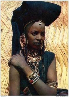 Africa | Wodaabe (Bororo) woman from Niger | Postcard image