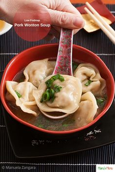 Low Fodmap Wonton Soup – a scrumptious soup with Chinese flavours made totally from scratch. Soup Appetizers Soup Appetizers dinners carb Soup Appetizers Appetizers with french onion Healthy Meals For Kids, Healthy Recipes, Vegetarian Recipes, Low Fodmap, Low Carb, Soup Appetizers, Fodmap Recipes, Fodmap Foods, Soup Recipes