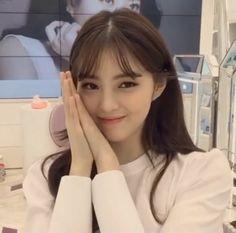 Beautiful Girl Photo, Beautiful Asian Women, Human Poses Reference, Korean Girl, Korean Idols, Girl Photography, Japanese Girl, Pretty Face, Girl Photos