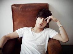 정용화 씨엔블루: Jung Yonghwa (CNBLUE)