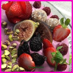 It's all in the Details. Raw Cake, Raw Desserts, Cake Decorations, Deserts, Fruit, Food, Desserts, The Fruit, Meals