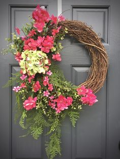 Spring Wreaths, Hydrangea Wreath, Pink and Green, Boxwood Wreaths, Spring Door Wreaths, Pink Wreaths, Pink Door Decor, Pink Green Wreaths by WreathsByRebeccaB on Etsy
