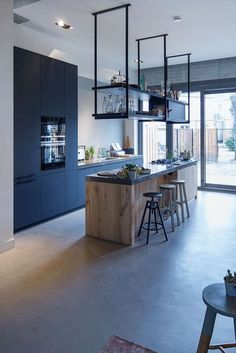 New Kitchen Bar Modern Interiors Ideas Industrial Kitchen Design, Modern Kitchen Design, Interior Design Kitchen, Industrial Kitchens, Modern Design, Home Decor Kitchen, New Kitchen, Home Kitchens, Decorating Kitchen