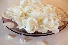 Siskot kokkaa: Ruususiirappia juhannusruusuista