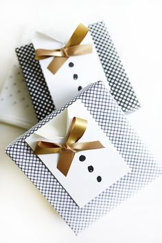 Absolutely love this adorable DIY Father's Day gift wrap!