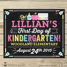 Items similar to First Day of School Chalkboard Sign Printable - Girl Day of School Sign - Back to School Chalkboard Sign - Photo Props Chalkboard Sign on Etsy School Date, 1st Day Of School, Back To School Gifts, School Chalkboard, Chalkboard Poster, Kindergarten First Day, School Grades, School Signs, Advice Cards