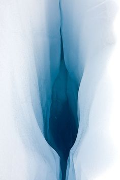 Glacier Fox, Canterbury,New Zealand (not a painting by Georgia O'Keeffe!) This is a PHOTOGRAPH. https://m.flickr.com/#/photos/cesar/5531295483/ Photo taken with a Canon EOS 40D camera by César González Palomo.