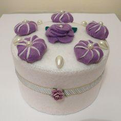 Felt cake lilac cream