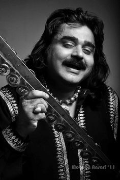 Arif Lohar is a Punjabi folk singer from Pakistan. He usually sings with a native musical instrument resembling tongs (called a 'chimta'). His folk music is representative of traditional folk heritage of the Punjab. He is the son of folk singer Alam Lohar. In 2005, he was awarded Pride of Performance Award from Government of Pakistan-the highest civil award in Pakistan.he has more than 150 albums to his credit and has recorded more than 3000 mostly Punjabi language songs.a living legend .