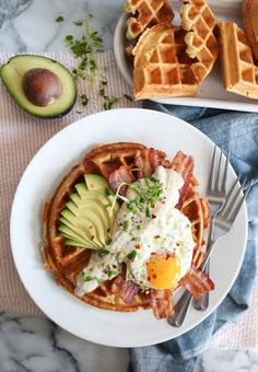 Savory Breakfast Waffles recipe with fried egg, bacon, avocado, and maple cream sauce Breakfast Waffle Recipes, Breakfast Waffles, Quick Healthy Breakfast, Savory Breakfast, Brunch Recipes, Breakfast Cooking, Breakfast Cafe, Drink Recipes, Breakfast Ideas