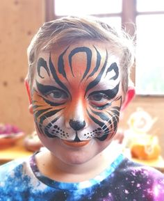 Face Painting Designs, Paint Designs, Tiger Face Paints, Cat Face, Carnival, Halloween Face Makeup, Cats, Mardi Gras, Gatos