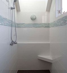 Basketweave marble tile border of 4x4 unpolished ming for 4x4 bathroom ideas