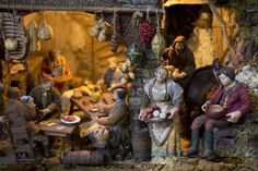 Tradition of Presépios - Neapolitan Christmas Nativities - Nativity Scenes in Italy #nativity #christmasnativity #presepe #presepio #Christmasdisplays #christmasvillages #creche #italychristmas