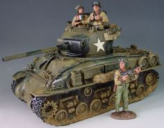 World War II U.S. Armored Divisions DD027 M4 Sherman Easy Eight Tank set - Made by King and Country Military Miniatures and Models. Factory made, hand assembled, painted and boxed in a padded decorative box. Excellent gift for the enthusiast.