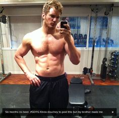 Chris Pratt working out for his role as Peter Quill a.a Star-Lord in the upcoming Marvel movie Guardians of the Galaxy Celebrity Selfies, Celebrity Memes, Celebrity Fitness, Celebrity Guys, Celebrity Photos, Good Instagram Captions, Best Instagram Photos, Instagram People, Peter Quill