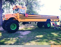 Coolest school bus / iFunny :)