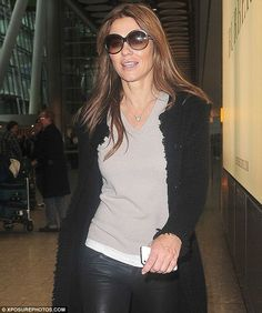 Liz Hurley in our Cashmere Coco Coat! #LizHurley #NUAN CASHMERE #Fashion