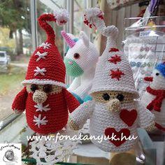 FONAL ANYUK: Karácsonyi manók horgolva Diys, Winter Hats, Crochet Hats, Christmas Ornaments, Holiday Decor, Crochet Christmas, Facebook, Amigurumi, Navidad