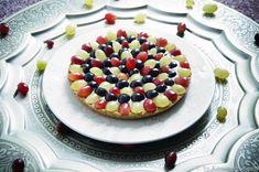 vegane Traubentarte mit glutenfreiem Mürbeteig und fruchtiger Birnencrème Superfood, Sweet Tarts, Dessert, Vegan Sweets, Fruit Salad, Creme, Vegane Rezepte, Pies, Vegan Dishes