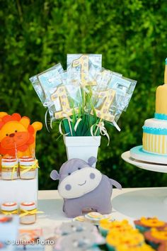 Zoo Themed Birthday Party via Kara's Party Ideas | Kara'sPartyIdeas.com #Zoo #Birthday #Party #Planning #Idea (9)