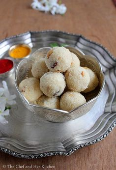 Rava ladoo is one of the easiest ladoo recipes which even a beginner can attempt with out any fear,it is not only easy but also is ve. Shake Recipes, Milk Recipes, Almond Recipes, Sweets Recipes, Cooking Recipes, Healthy Recipes, Easy Ladoo Recipe, Rava Laddu Recipe, Indian Dessert Recipes