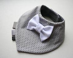 Bow tie bib Baby bib boy, Baptism bib, baby bandana bib removable bow tie, baby shower gift for newborn, infant light gray dotted