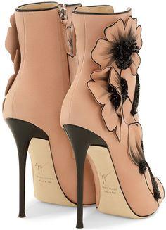 Giuseppe Zanotti 'June' Lace-Up Boots #giuseppezanottiheelszapatos