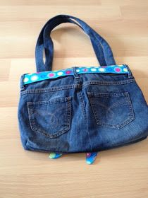 New Totally Free made by Alex: bag from a jeans tutorial Popular I enjoy Jeans ! And even more I want to sew my very own Jeans. Next Jeans Sew Along I'm likely t Next Jeans, Love Jeans, Diy Bags Purses, Purses And Handbags, Jean Diy, Diy Gifts To Sell, Sewing Jeans, Diy Handbag, Recycle Jeans