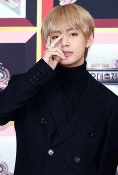BTS Taehyung. 171229KBS Song Festival