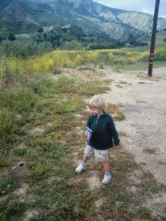 """Pack out what you pack in when day hiking with children. Read more tips for day hiking with children in """"Hikes with Tykes: A Practical Guide to Day Hiking with Kids."""""""