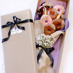 Doughnut bouquet - Dessert Boxes
