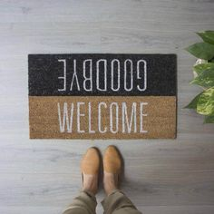 design home decoration Coir Doormat, Wall Clock Design, Apartment Goals, Welcome Mats, Welcome Decor, Wine Bottle Crafts, Art Party, New Home Designs, Decoration