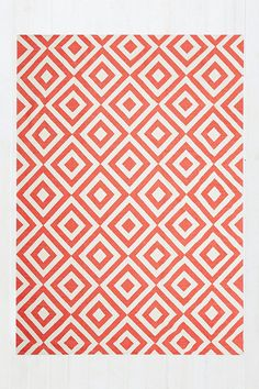 Inverted Diamond 5x7 Rug in Red