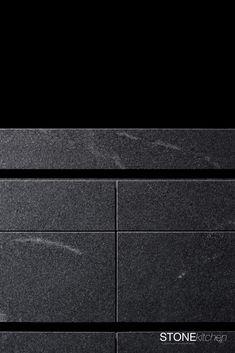 Detail Griffnut. Granit in 2cm stärke auf Gehrung geschnitten. Eine Kücheninsel aus Naturstein, die das Thema Stein in jedem Detail verkörpert. Projects, Design, Granite Tops, Kitchen Contemporary, Natural Stones, Log Projects, Blue Prints