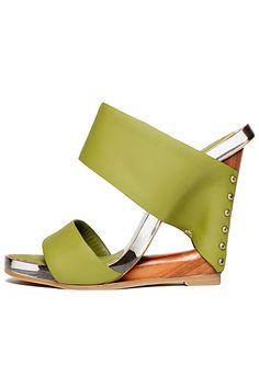 5af5cc0bf1 Donna Karan Spring 2012 Shoes   31   Accessories Index