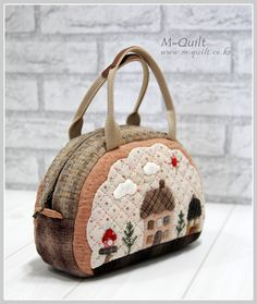 Quilt And Patchwork กระเป๋าเงินล้าน Patchwork Quilt Patterns, Patchwork Bags, Quilted Bag, Applique Quilts, Japanese Patchwork, Japanese Bag, Quilting, Diy Purse, Craft Bags