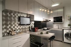 13 SMALL Homes so beautiful you won't believe they're HDB flats Kitchen Ideas Singapore, Cheap Kitchen Makeover, Artisan Kitchen, Small Studio Apartments, Kitchen Collection, Apartment Interior, Apartment Living, Home Decor Inspiration, Trendy Tree